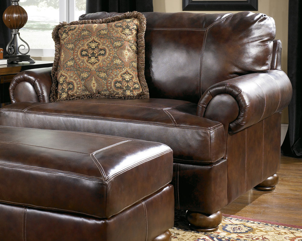 Image of: Chair and a Half Recliner Slipcover Ideas