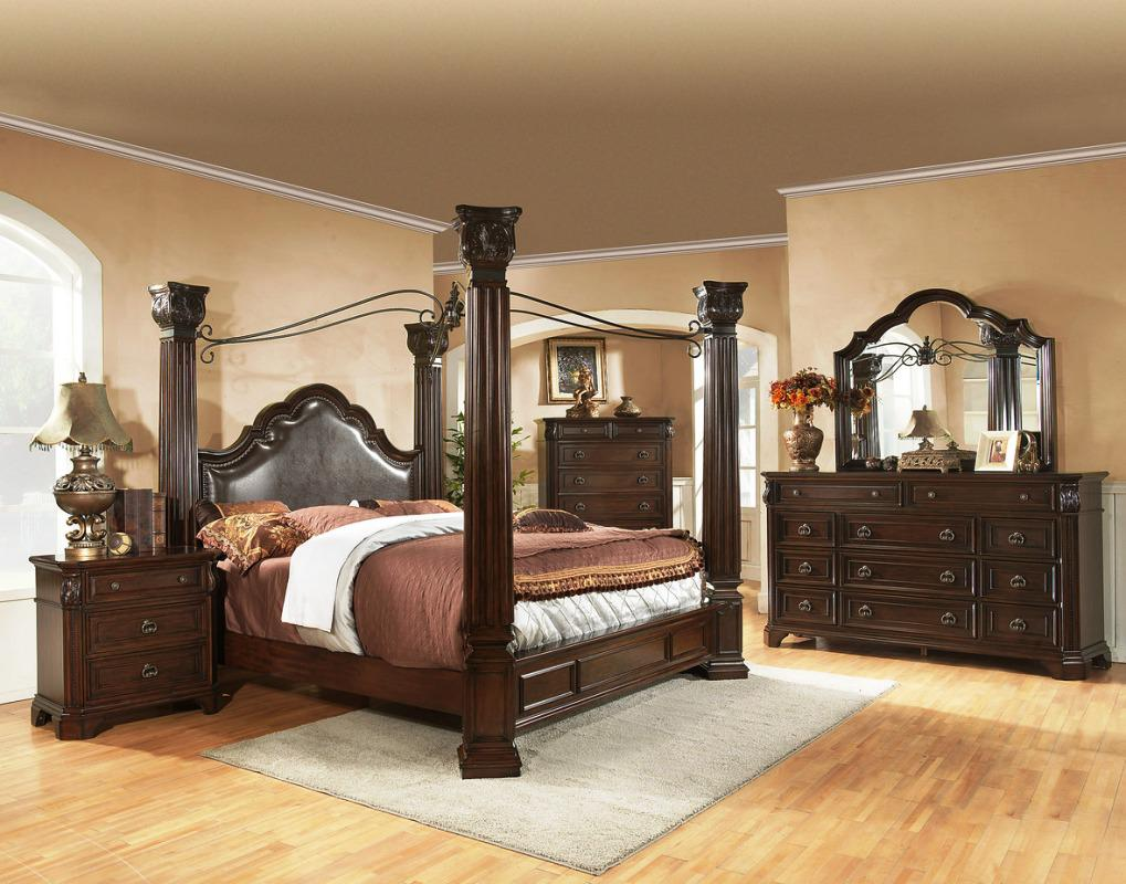 Image of: Cheap King Size Canopy Bed Sets