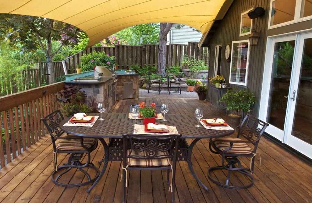 Image of: Child Proof Deck Netting