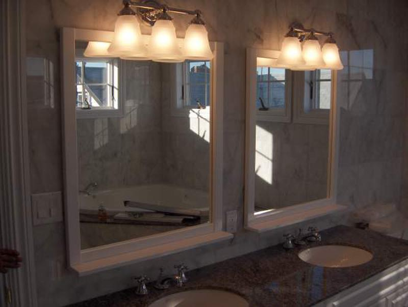 Image of: Classic Bathroom Mirror with Lights
