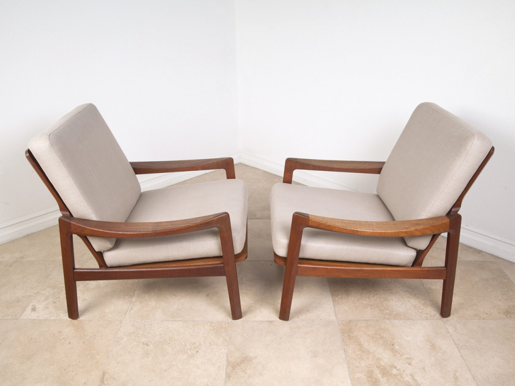 Image of: Classic Teak Lounge Chair