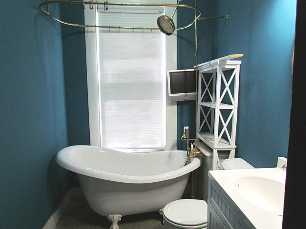 Image of: clawfoot tub shower design ideas