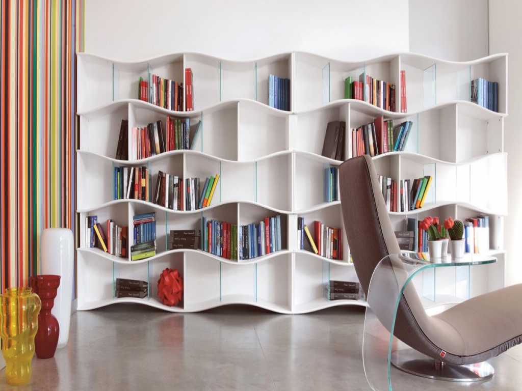contemporary built in bookshelves