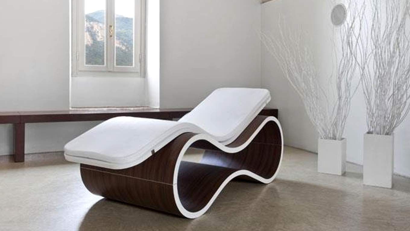 Image of: Contemporary Indoor Chaise Lounge Chairs