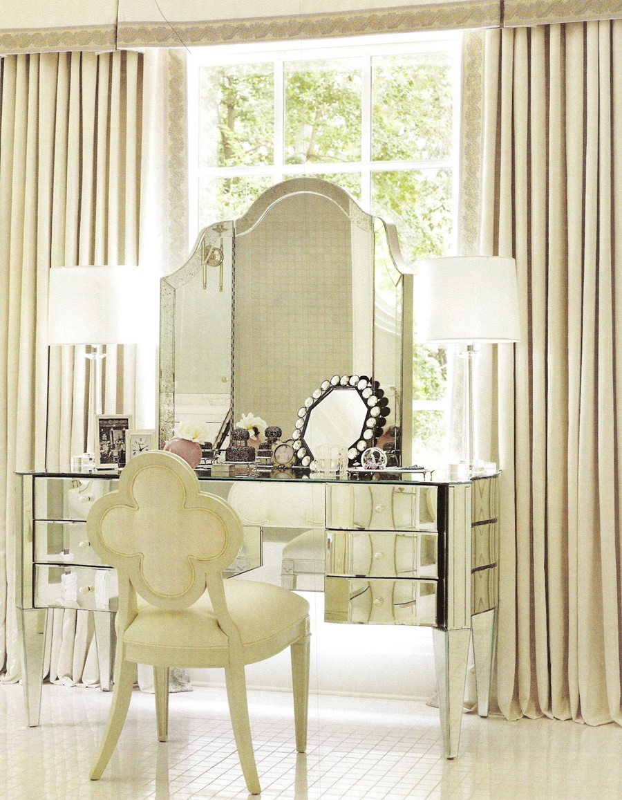 Image of: Contemporary Mirrored Vanity Table