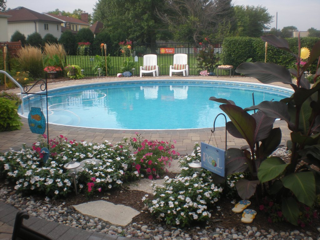 Image of: Contemporary Radiant Pools