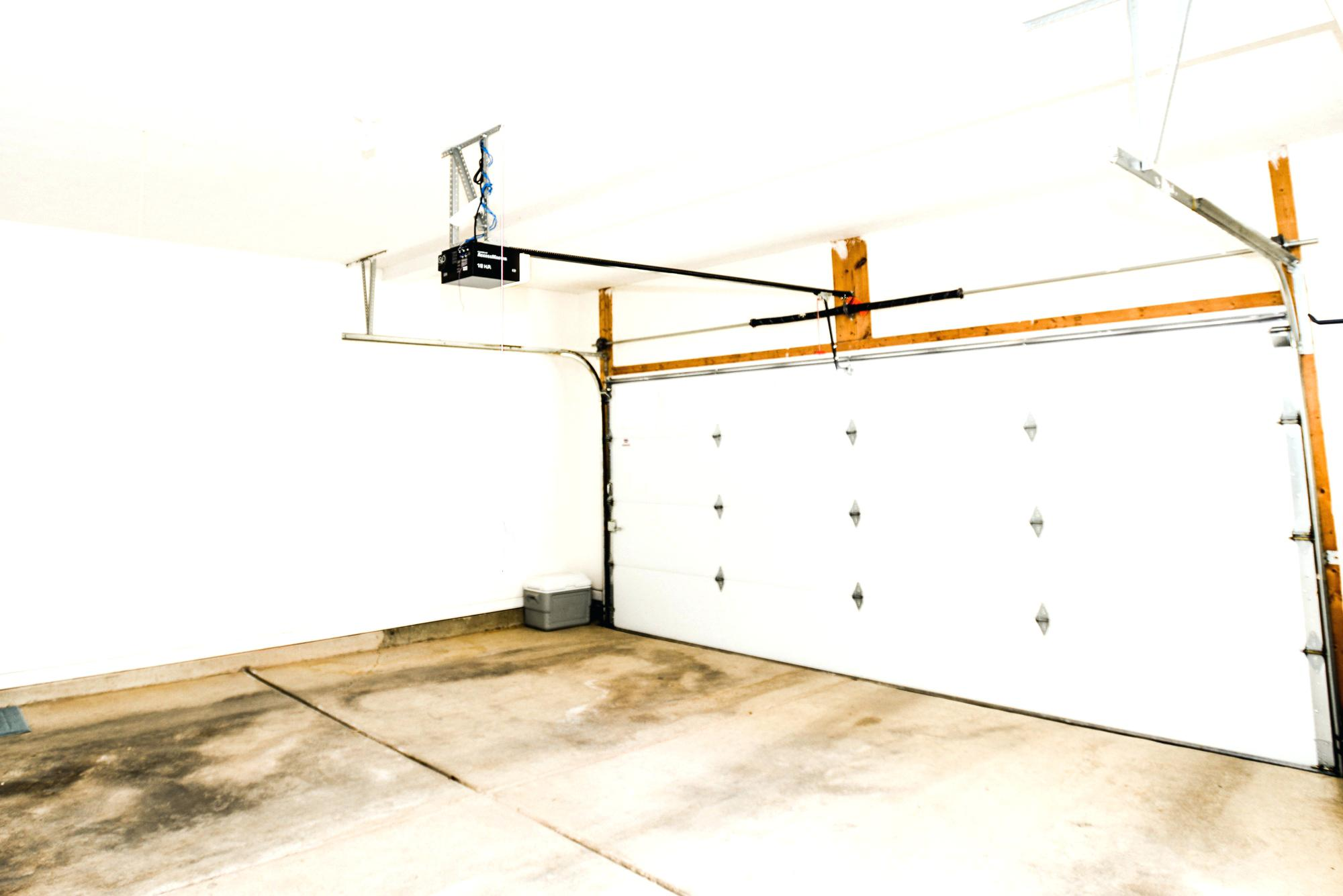 Image of: Converting A Garage Into A Bedroom Cost