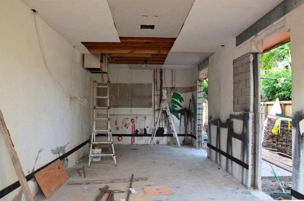 Image of: Converting A Garage Into A Bedroom Ideas