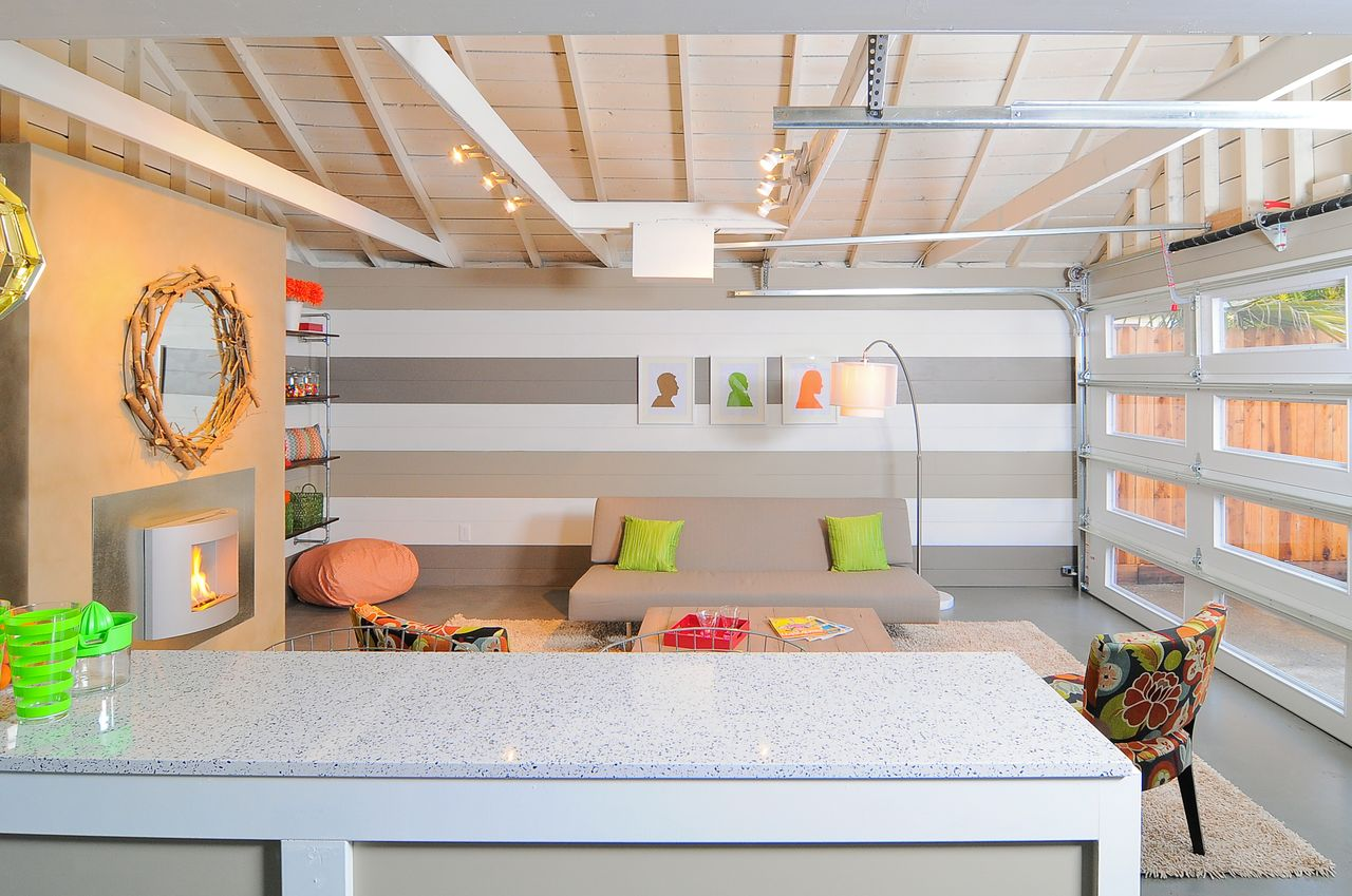 Image of: Converting A Garage Into A Bedroom Uk