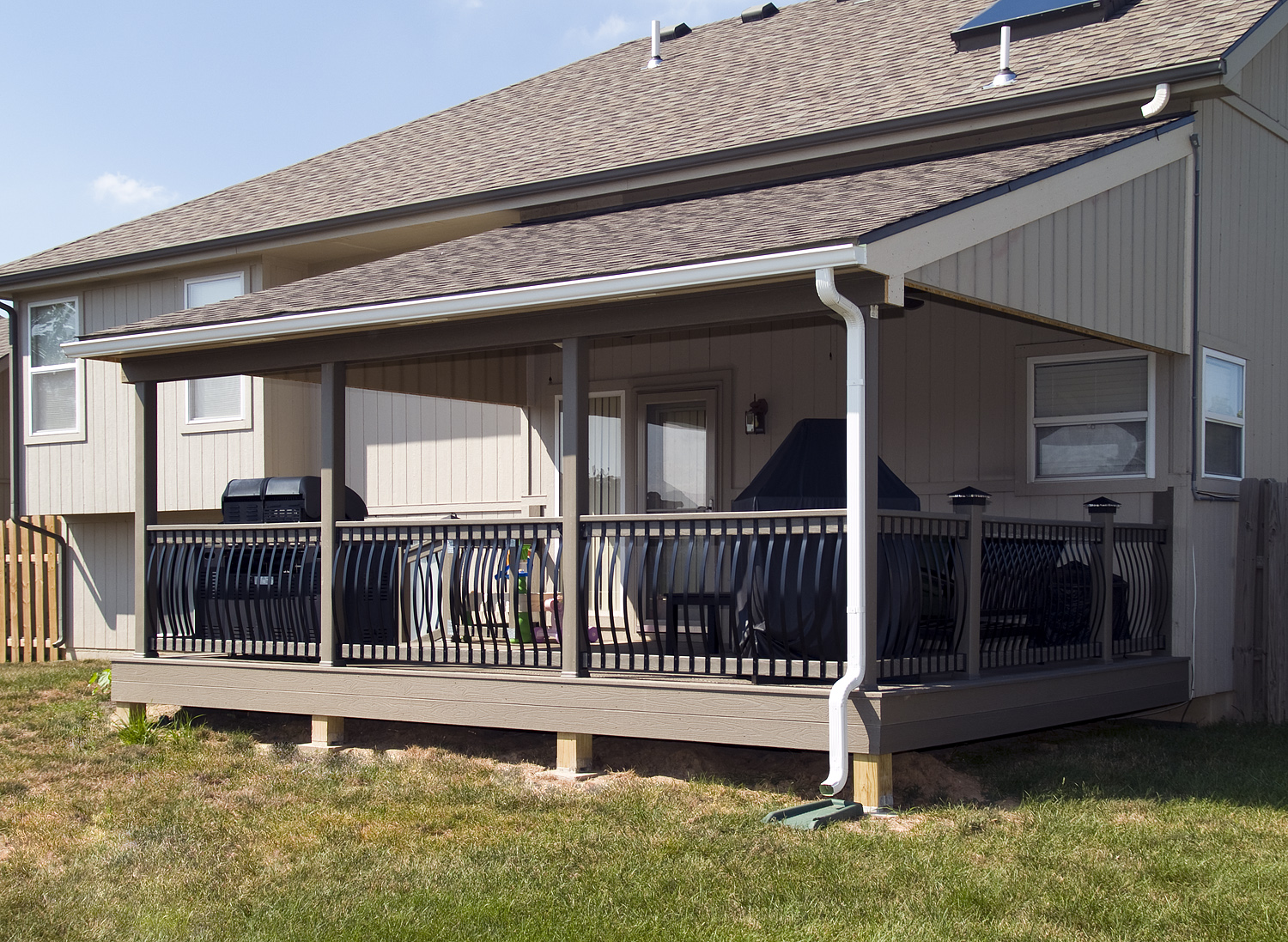 Image of: Covered Deck Designs Ideas