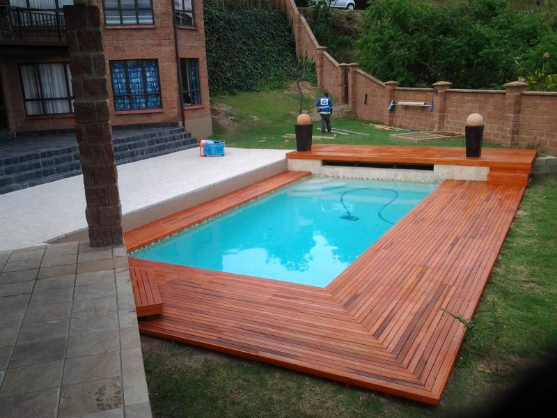 Image of: Cute Pallet Pool Deck