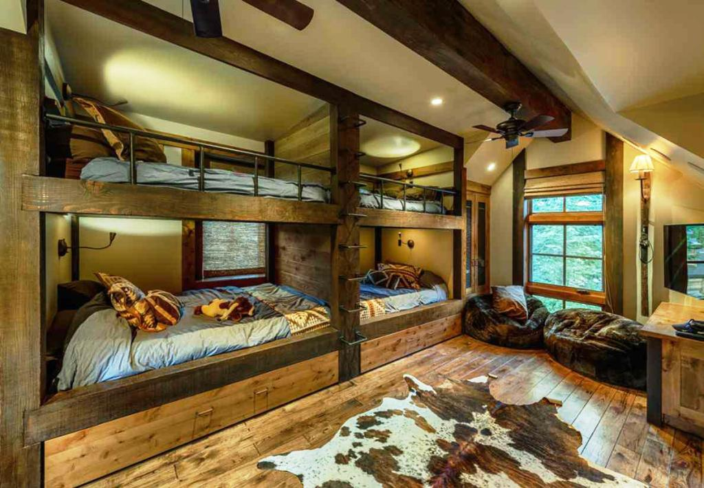 Image of: Cute Rustic Cabin Bedrooms