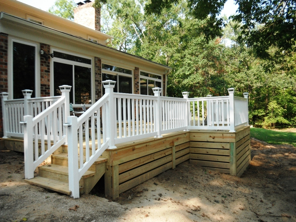 Image of: DIY Deck Skirting Ideas