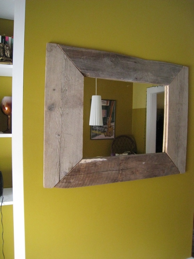 Image of: DIY Mirror Frame Paint