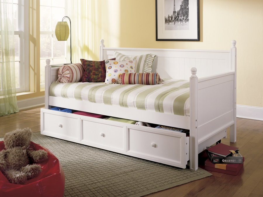 Image of: daybeds with trundle with storage