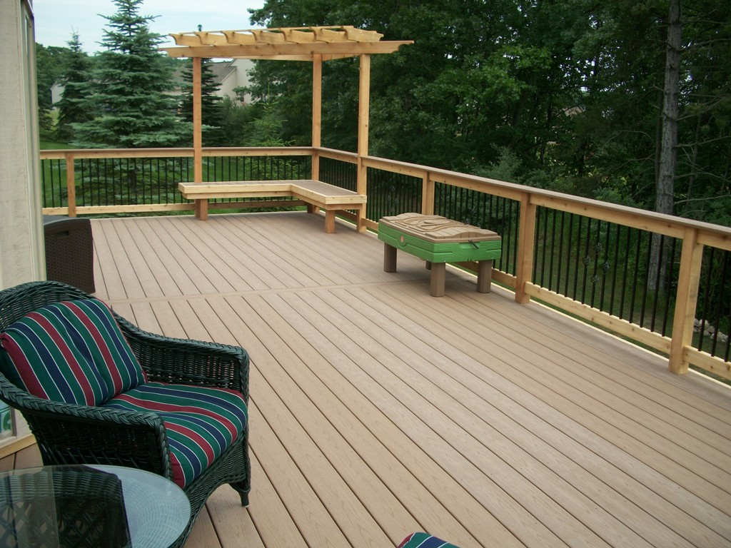 Image of: Deck Drainage Air Circulation