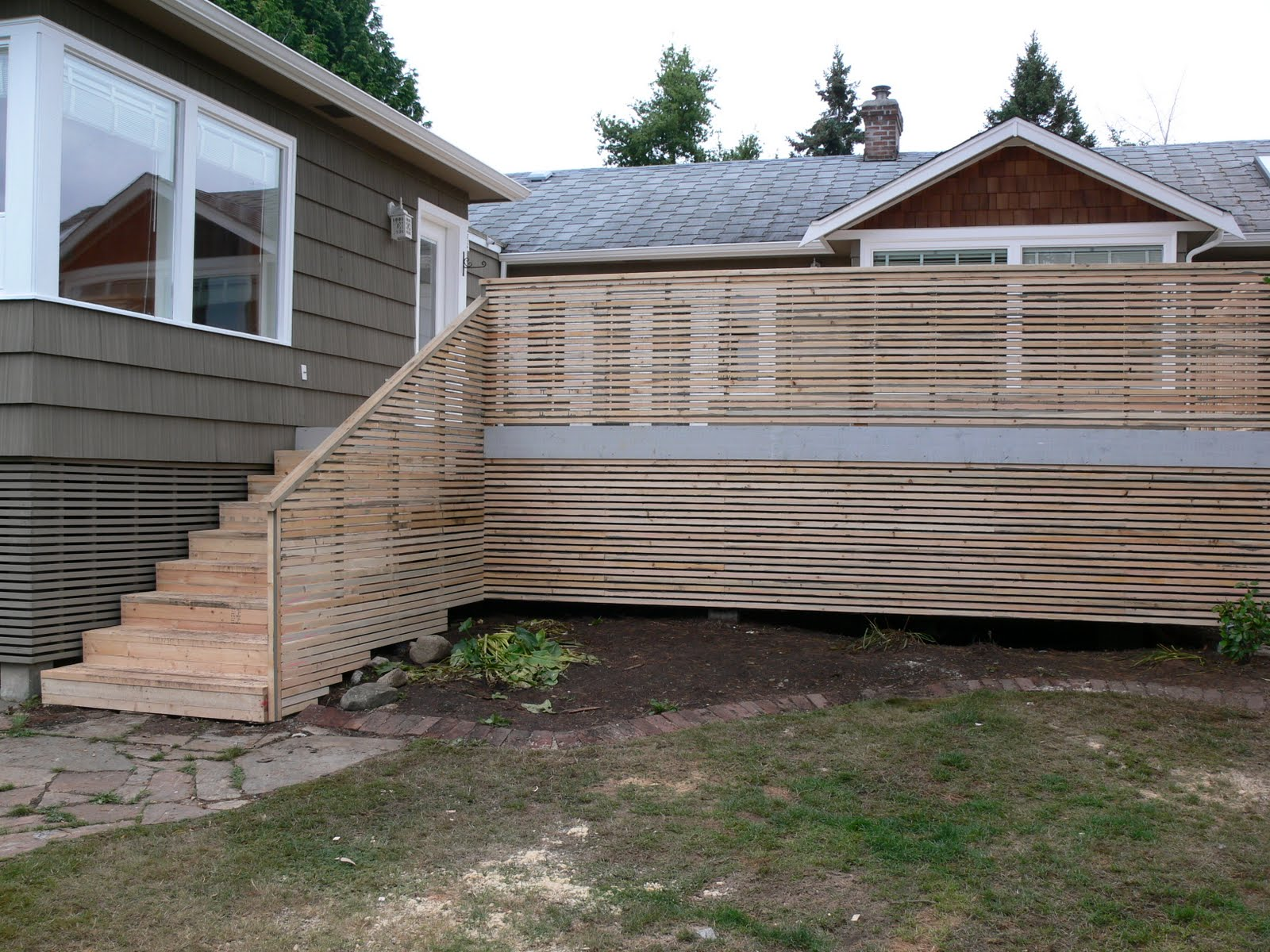 Image of: Deck Railing Spindles Design