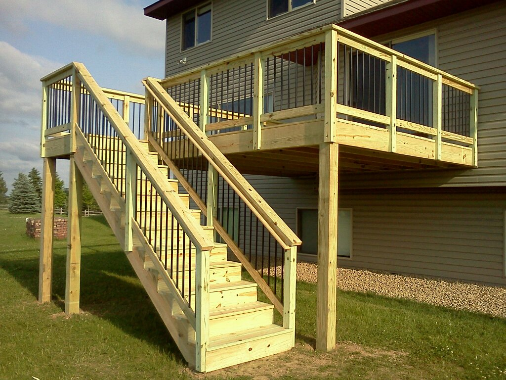Image of: Deck Railing Spindles Pictures
