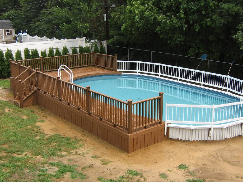 Image of: Decks for Above Ground Pools Photos