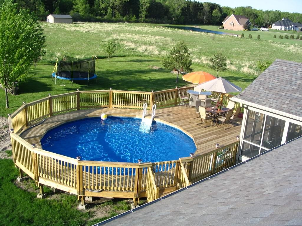 Image of: Decks for Above Ground Pools Pictures