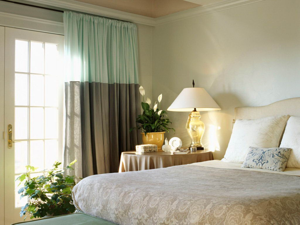Image of: Decor Bedroom Curtain Ideas