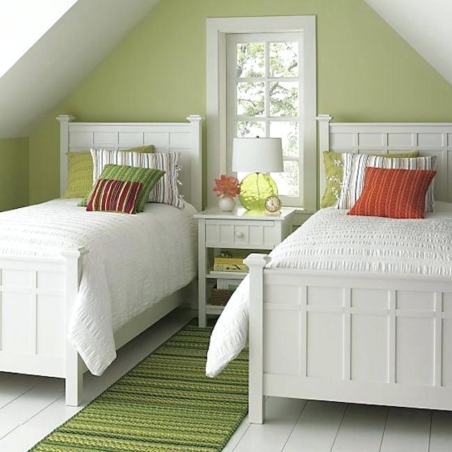 Decorating A Guest Room With Twin