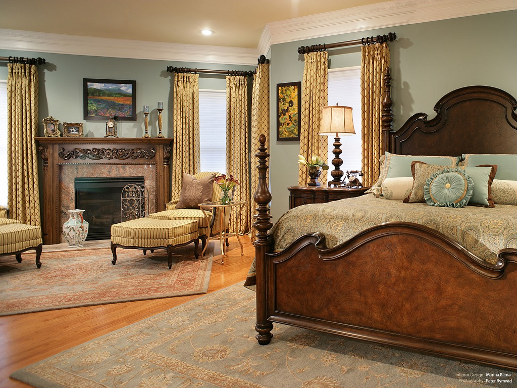 Image of: Decorating Master Bedroom With Cathedral Ceiling