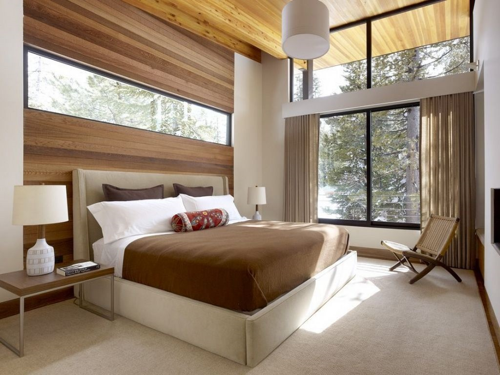 Image of: Decorating Master Bedroom With Vaulted Ceiling