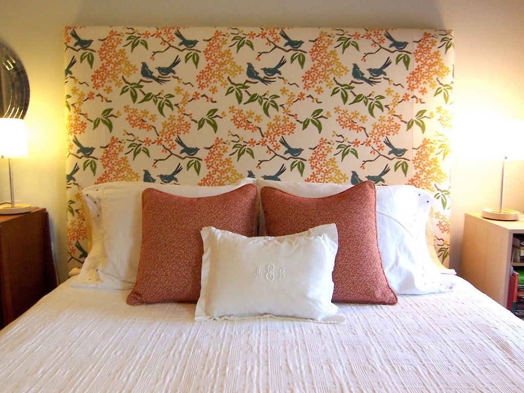 Image of: Decorative Pillows For Bed Amazon