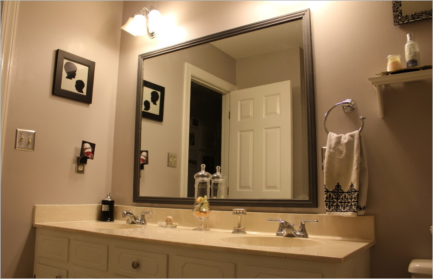 Image of: Design Framed Bathroom Mirrors