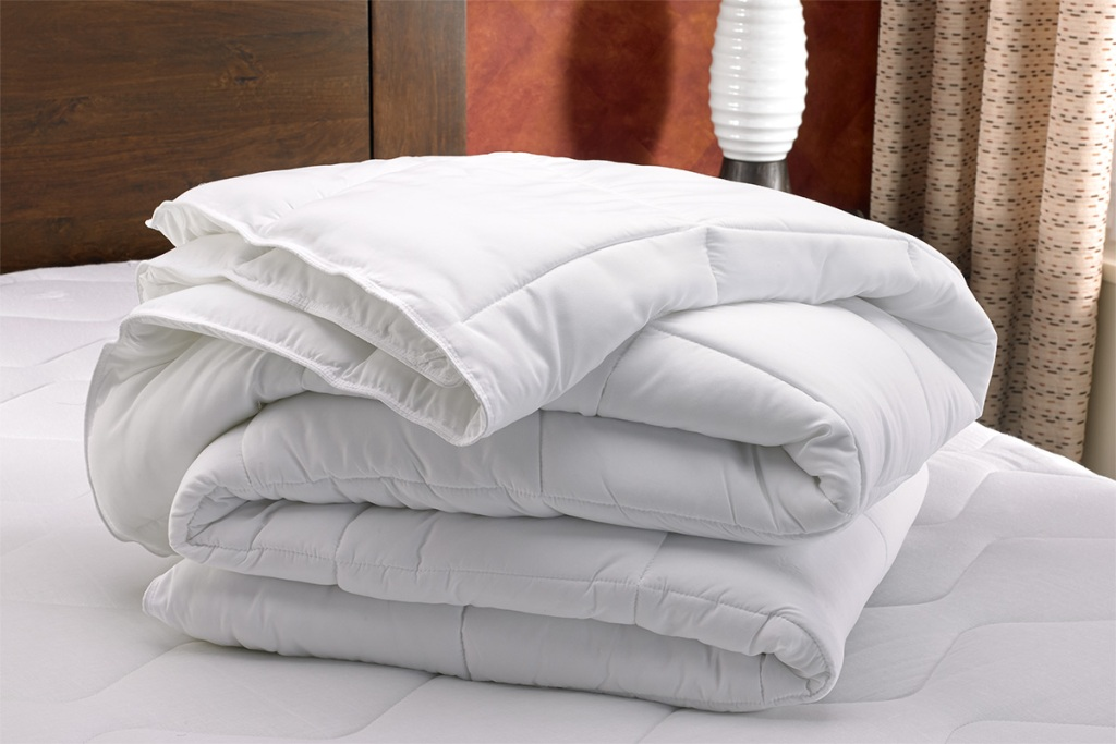 Image of: difference in difference between duvet and comforter