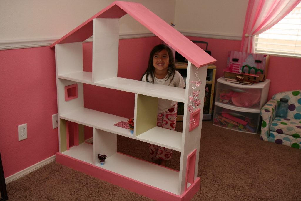 Image of: Dollhouse Bookcase for Girls