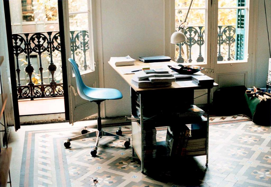 Image of: eames office chair without arms