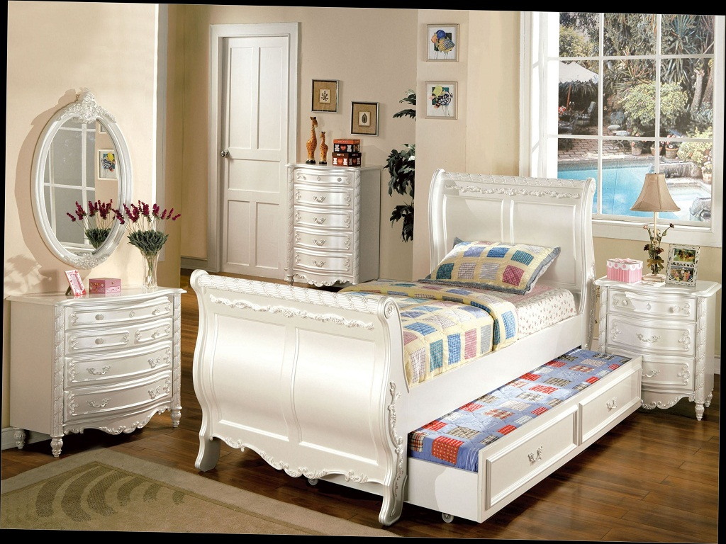 Image of: Elegant Bedroom Sets For Teenage Girl
