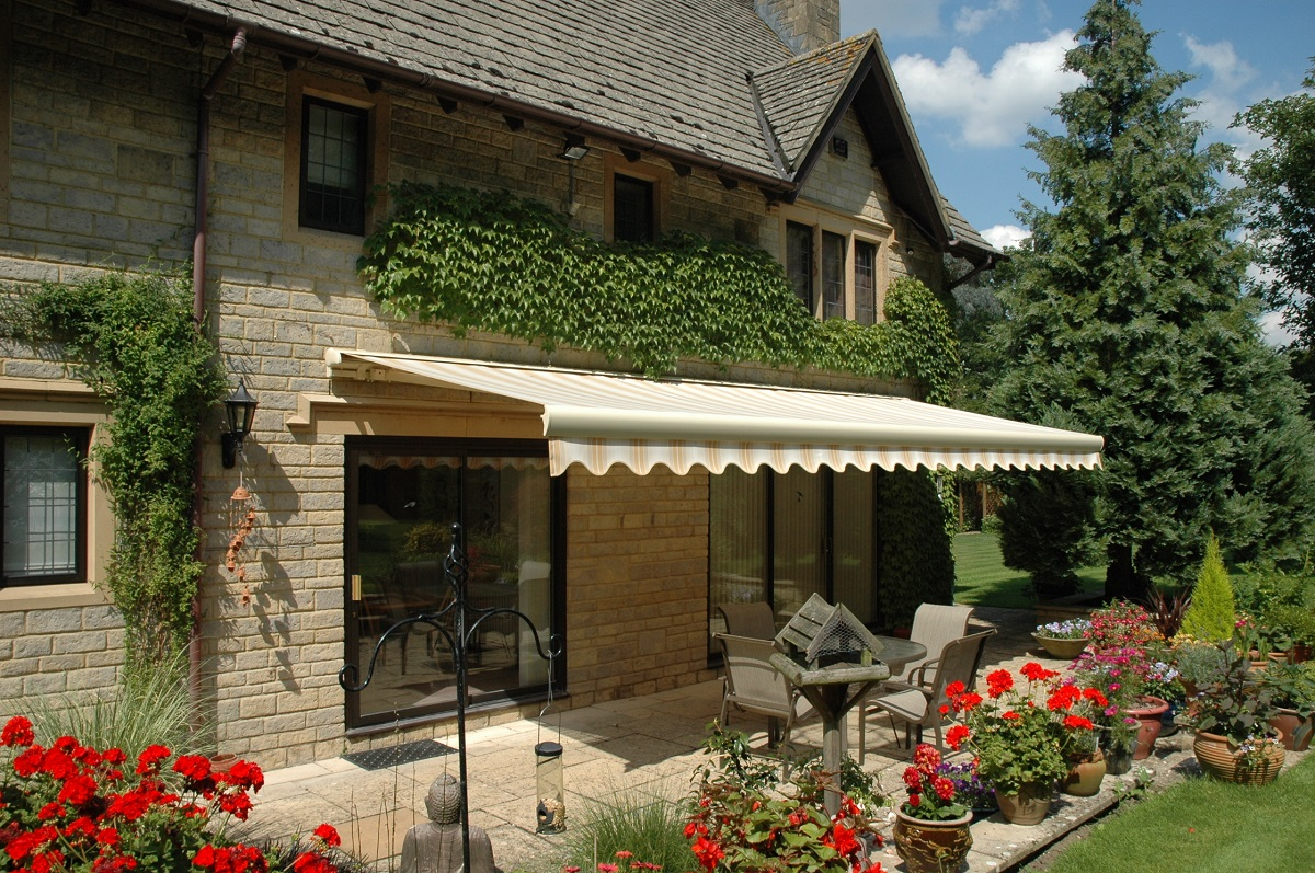 Image of: Exterior Awnings Patio