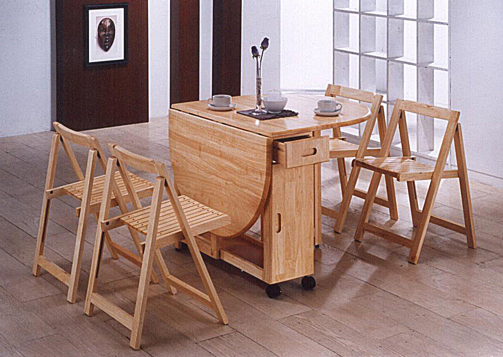 Image of: Folding Dining Chairs and Table