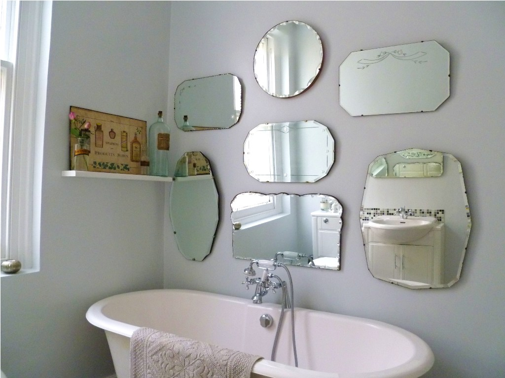 Image of: Frameless Wall Mirror 22 X 32