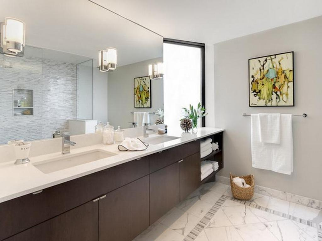 Image of: Full Wall Mirrors for Bathrooms