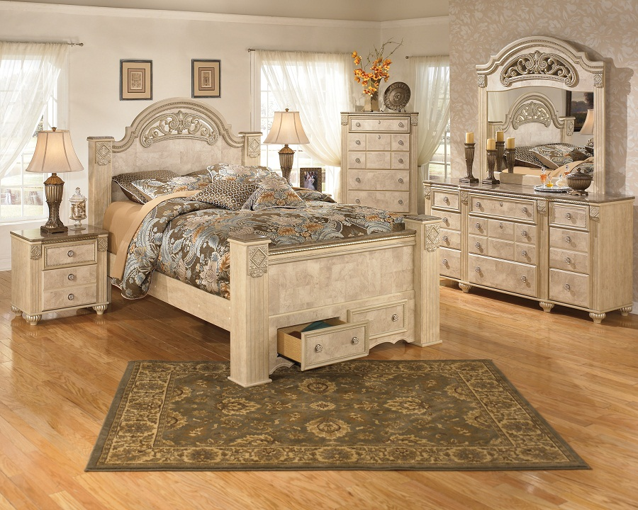 Image of: Gabriela Bedroom Set Wood
