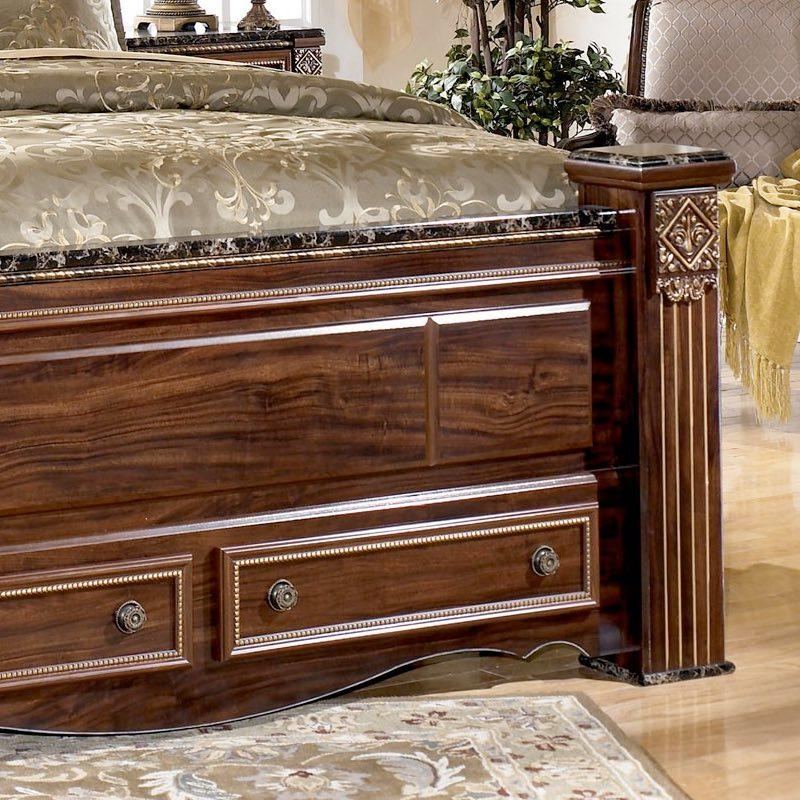 Image of: Gabriela Bedroom Set Wooden