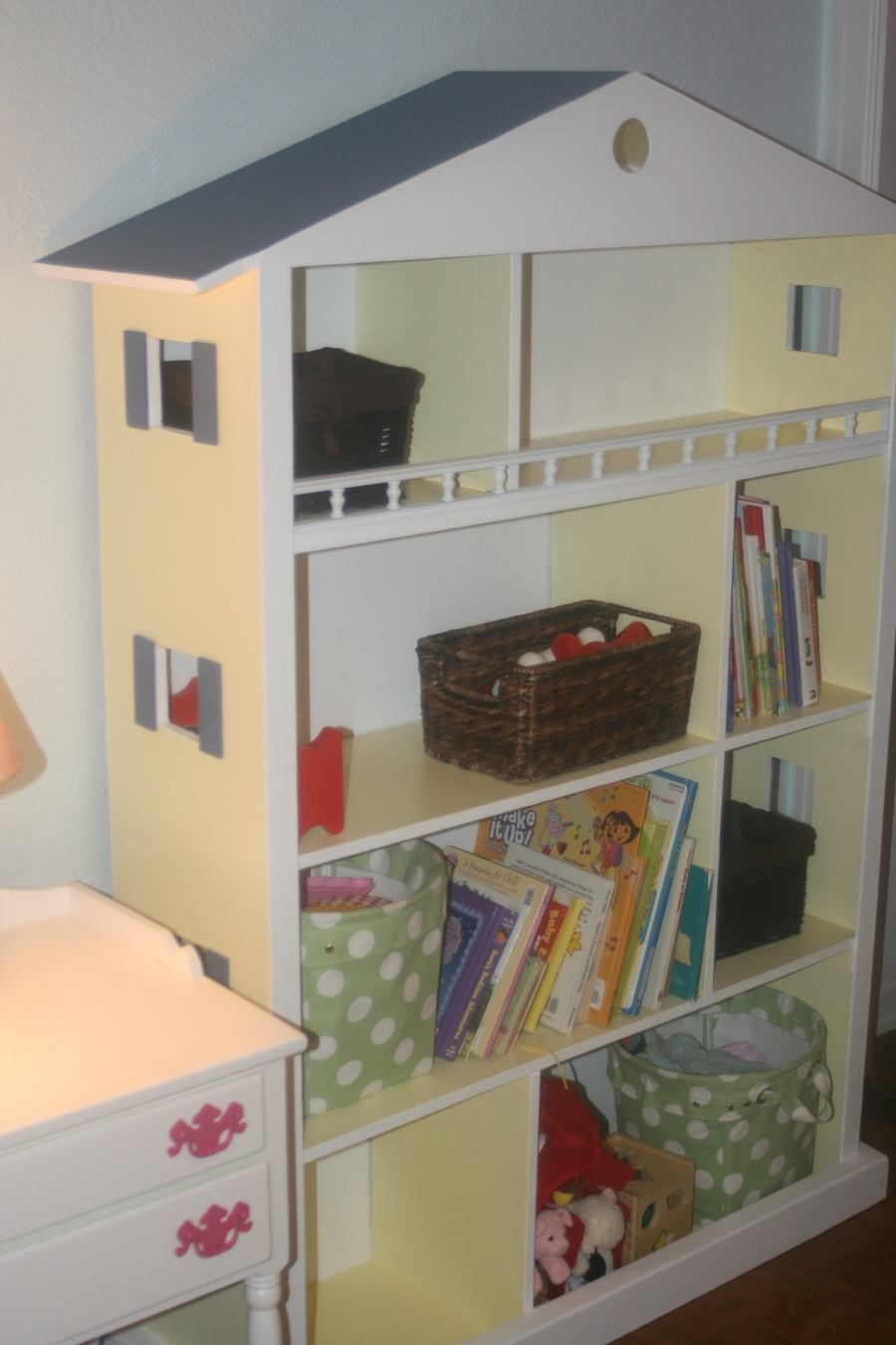 Image of: Girls Dollhouse Bookcase