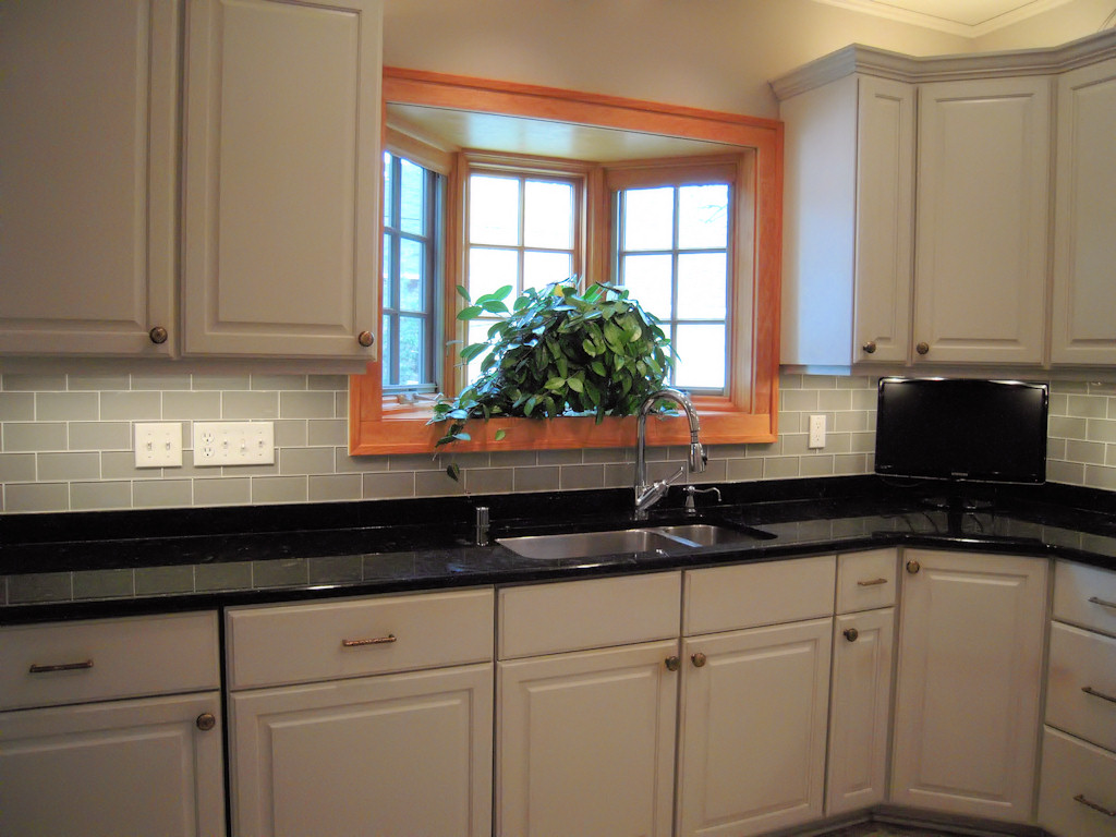 Image of: glass tile backsplash pictures for kitchen