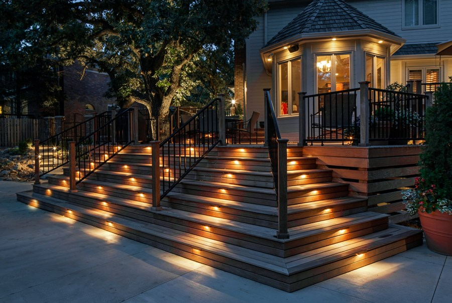 Image of: Good Deck Stair Lights