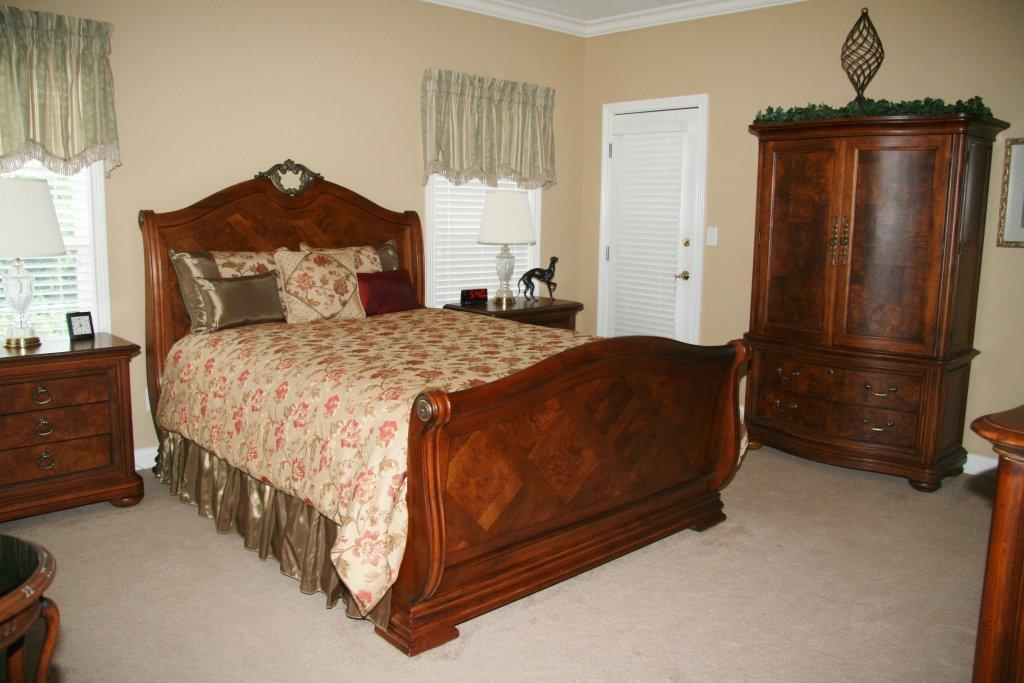 Image of: Great Thomasville Furniture Bedroom Sets