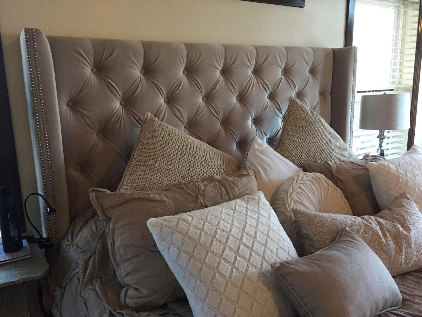 Image of: Grey Tufted Headboard With Nailheads