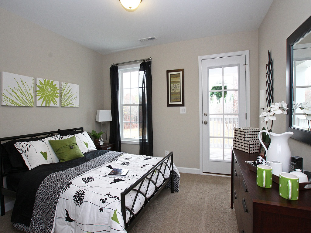 Image of: Guest Bedroom Ideas Small Space
