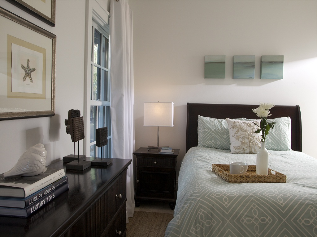 Image of: Guest Bedroom Ideas for Small Rooms