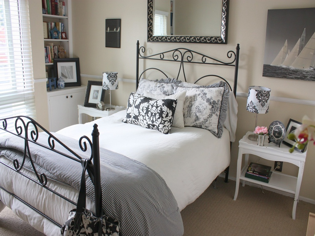 Image of: Guest Room Bed Ideas