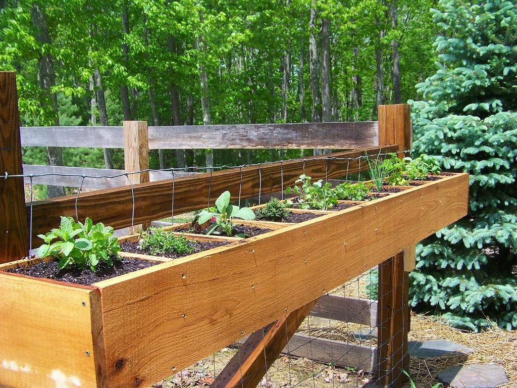 Image of: Home Made Deck Rail Planter Boxes