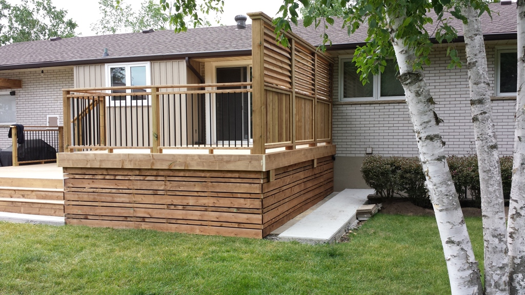 Image of: Horizontal Deck Skirting Ideas
